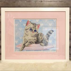 Framed Diamond Dot Kitten